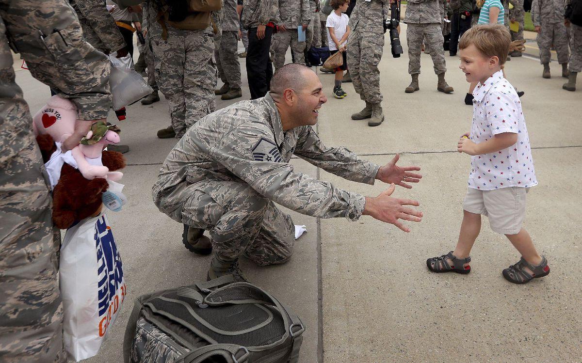 vojak, dieťa, syn, zvítanie