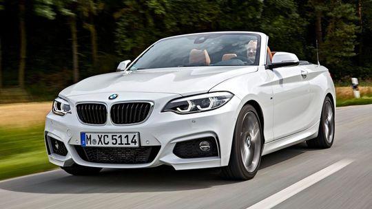 BMW 2 Cabrio: Tichšia strecha a dotykový displej