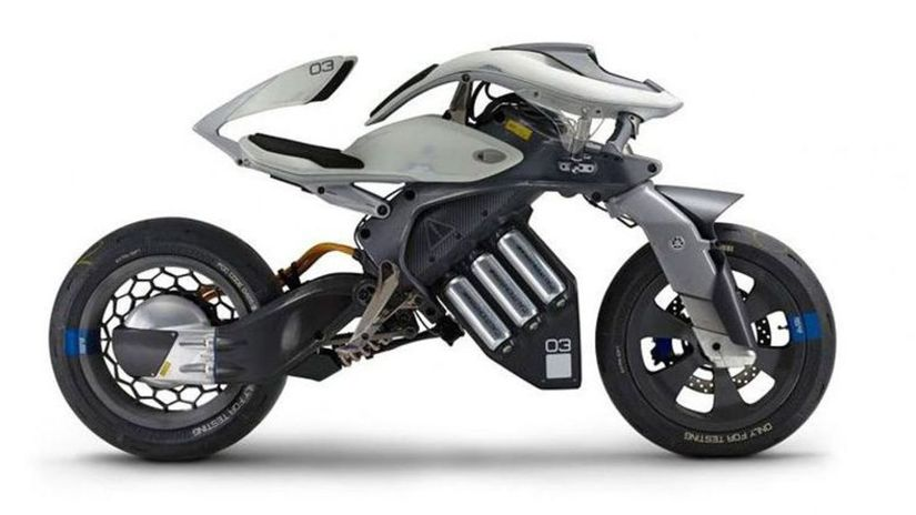 Yamaha MOTOROiD Concept - 2017