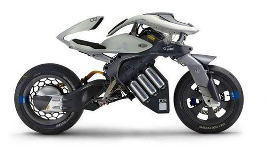 Yamaha Motoroid: Elektrický 'bajk' je napoly robot