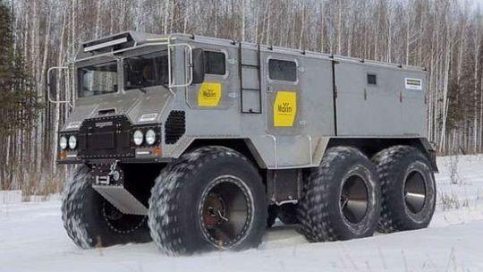 Burlak 6x6: Tento ruský stroj chce dobyť severný pól