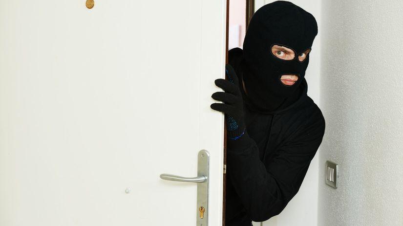 byt, zlodej, lupič, vlámačka, vlámanie sa