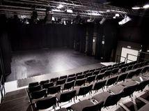 Extrémista Kotleba chce zrušiť divadlo