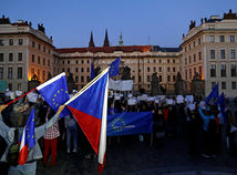protest proti Babišovi a Zemanovi