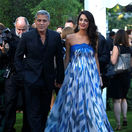Režisér George Clooney a jeho manželka Amal Clooney