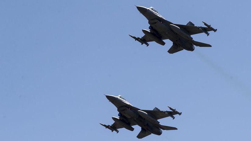 Stíhačky F-16