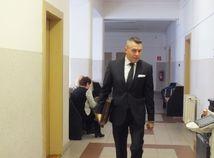 Smerácky exposlanec Jánoš definitívne nespáchal zločin v kauze týrania ženy a dcéry, rozhodol súd
