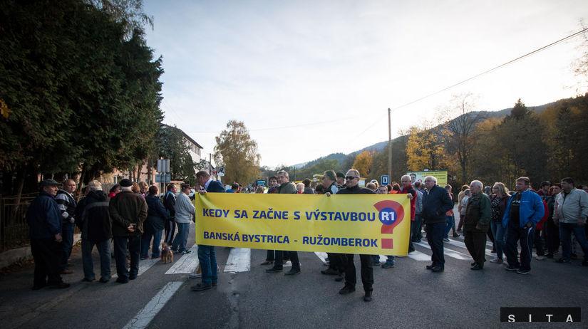 PROTEST: Urýchlenie dostavby R1