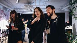Štylistka Barbora Yurkovič (vľavo), blogerka Marika Beňadik Majorová a fotograf Jakub Čaprnka.