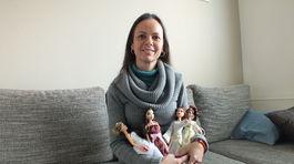 Dubničanka Petra Hajdina so svojimi zaodetými bábikami.