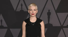 Herečka Michelle Williams v kreácii Louis Vuitton.