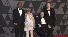 Ocenení laureáti: Zľava: Charles Burnett, Agnes Varda, Owen Roizman a Donald Sutherland.