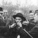 08-09-holocaust1-yad vashem