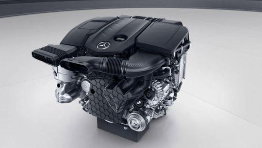 Mercedes-Benz ide proti prúdu. Pripravuje plug-in hybridný diesel