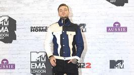 Spevák Liam Payne v zákulisí cien MTV European Music Awards 2017.