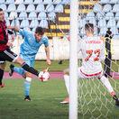 Trnava podľahla po troch mesiacoch. Hrdinom Slovana v derby bol Hološko