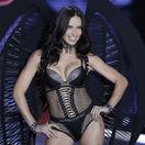 Modelka Adriana Lima na šanghajskej módnej šou.