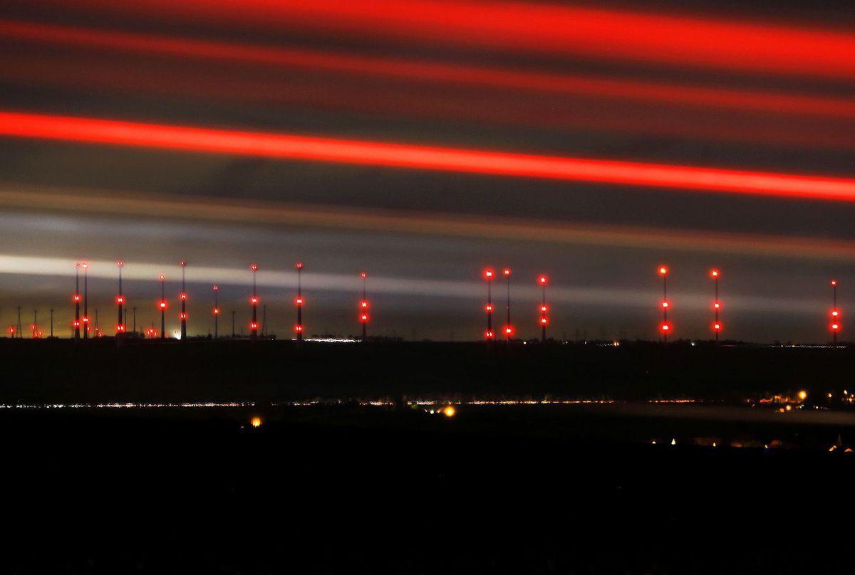 elektráreň, energia, červené svetlo, veterná elektráreň