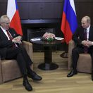 Zeman sa stretol s Putinom, ktorý si cení politickú múdrosť českej hlavy štátu
