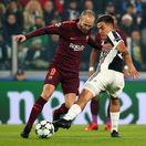 Barcelona a Chelsea postúpili do osemfinále, Bazilej zaskočil United