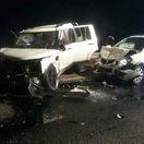 Zrážku troch vozidiel neďaleko Šamorína neprežili dve osoby
