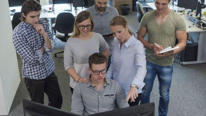 zamestnanci, počítač, práca