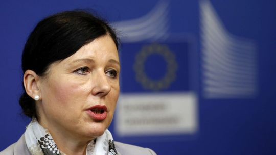 Orbán žiada okamžité odvolanie podpredsedníčky eurokomisie Jourovej