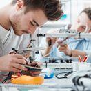 elektrikár, študent, prax