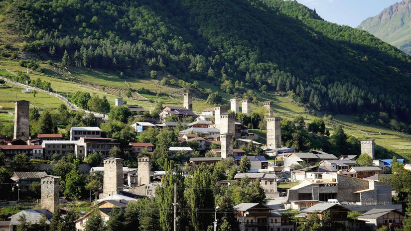 Gruzínsko, Mestia, mesto, domy