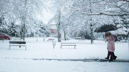 POČASIE: Sneženie na cestách