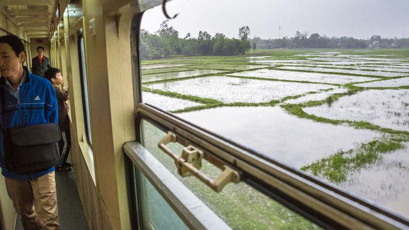 Cesta vlak, Vietnam