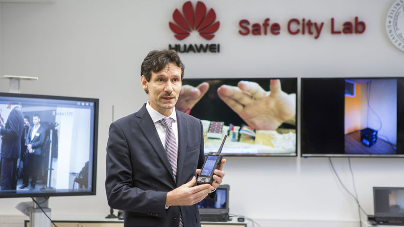 Huawei, Safe City Lab,