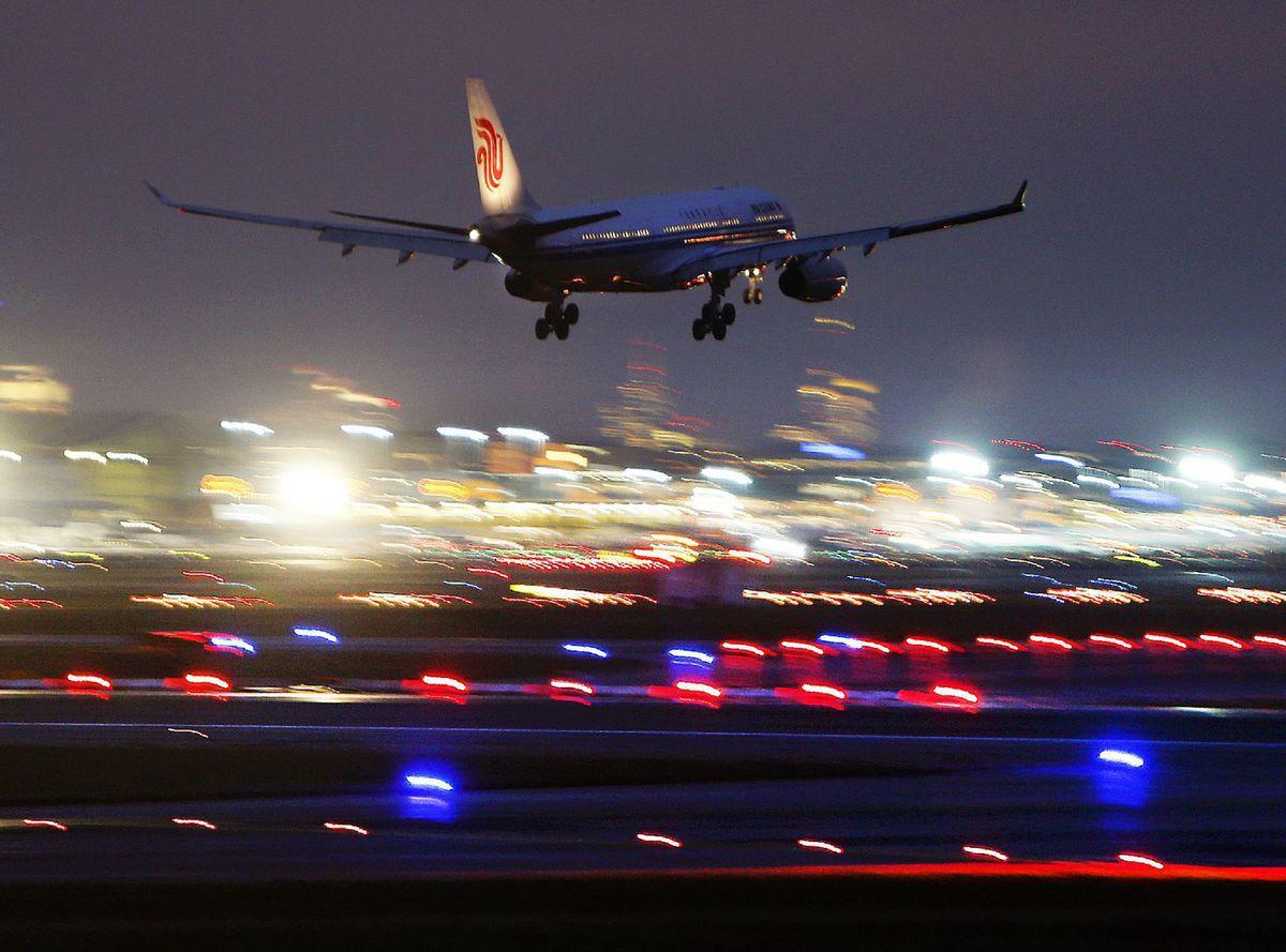 lietadlo, letisko, cestovanie,