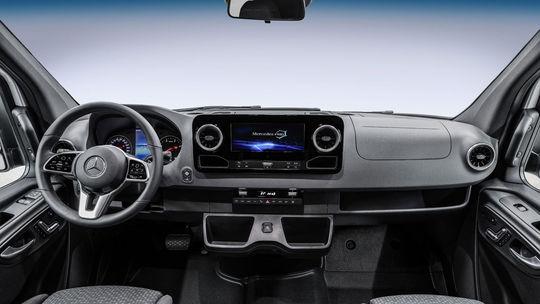 Mercedes-Benz Sprinter: Nová generácia predvádza interiér