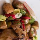 Pečená kačica so zemiakmi a zeleninou