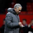 Mourinho vošiel do kabíny City žiadať o rešpekt. Obliali ho mliekom a opľuli