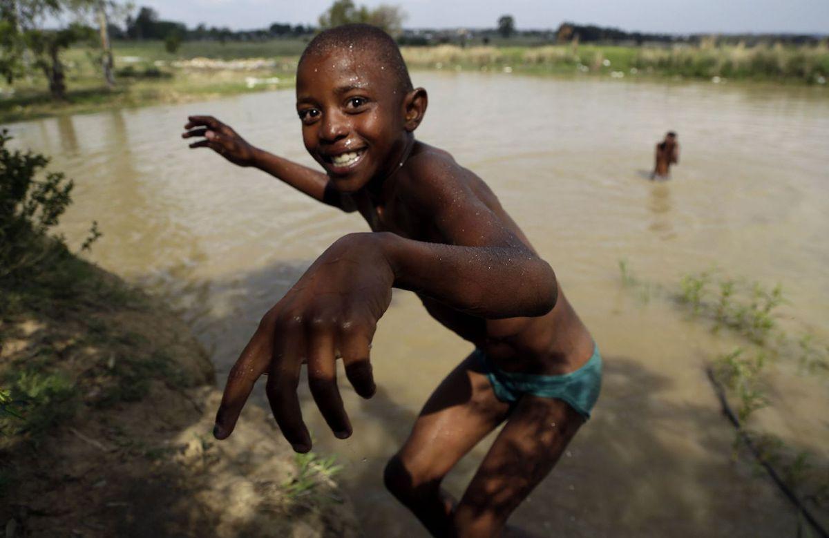 Južná Afrika, černoch, chlapec, kúpanie