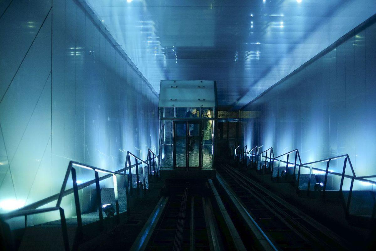 schody, chodba, modrá, Pamplona,