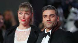 Herec Oscar Isaac a jeho partnerka Elvira Lind.