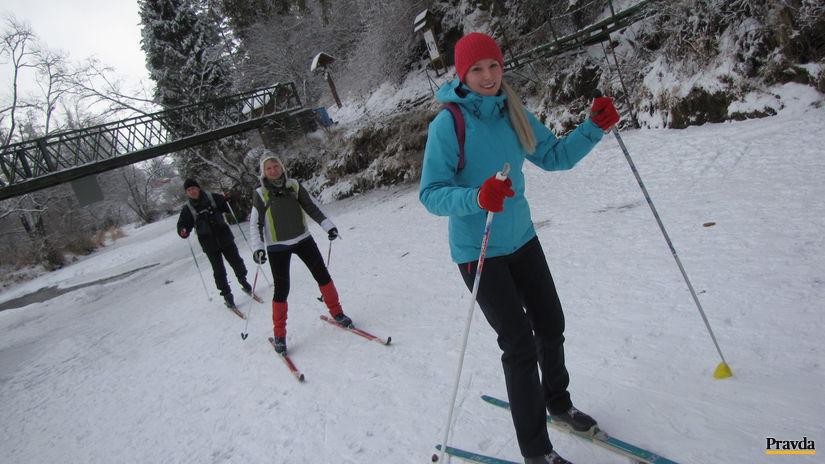 slovenská raj, hornád, lyžiari, sneh, zima, lyže,