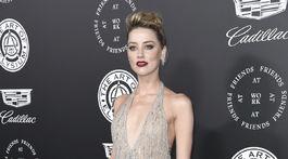 Herečka Amber Heard v kreácii Georges Hobeika.