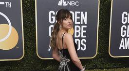 Herečka Dakota Johnson v šatách z dielne Gucci.