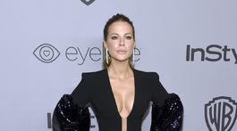 Herečka Kate Beckinsale predviedla svoje poprsie.
