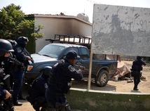 mexiko, policajti, zasah, policia, prestrelka
