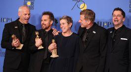 Osadenstvo filmu Tri bilboardy za Ebbingom sa teší z ceny pre najlepší film.