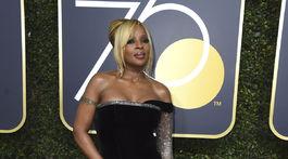 Speváčka a herečka Mary J. Blige v šatách Alberta Ferretti.