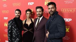 Darren Criss, Penelope Cruz, Edgar Ramirez a Ricky Martin