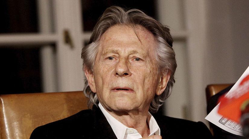 Filmár Roman Polanski na archívnom zábere.