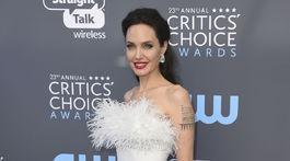 Herečka Angelina Jolie si obliekla kreáciu Ralph & Russo.