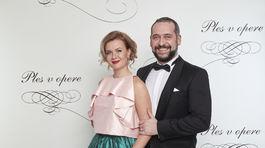 Na Plese v opere sa objavil aj Martin Mňahončák s manželkou.